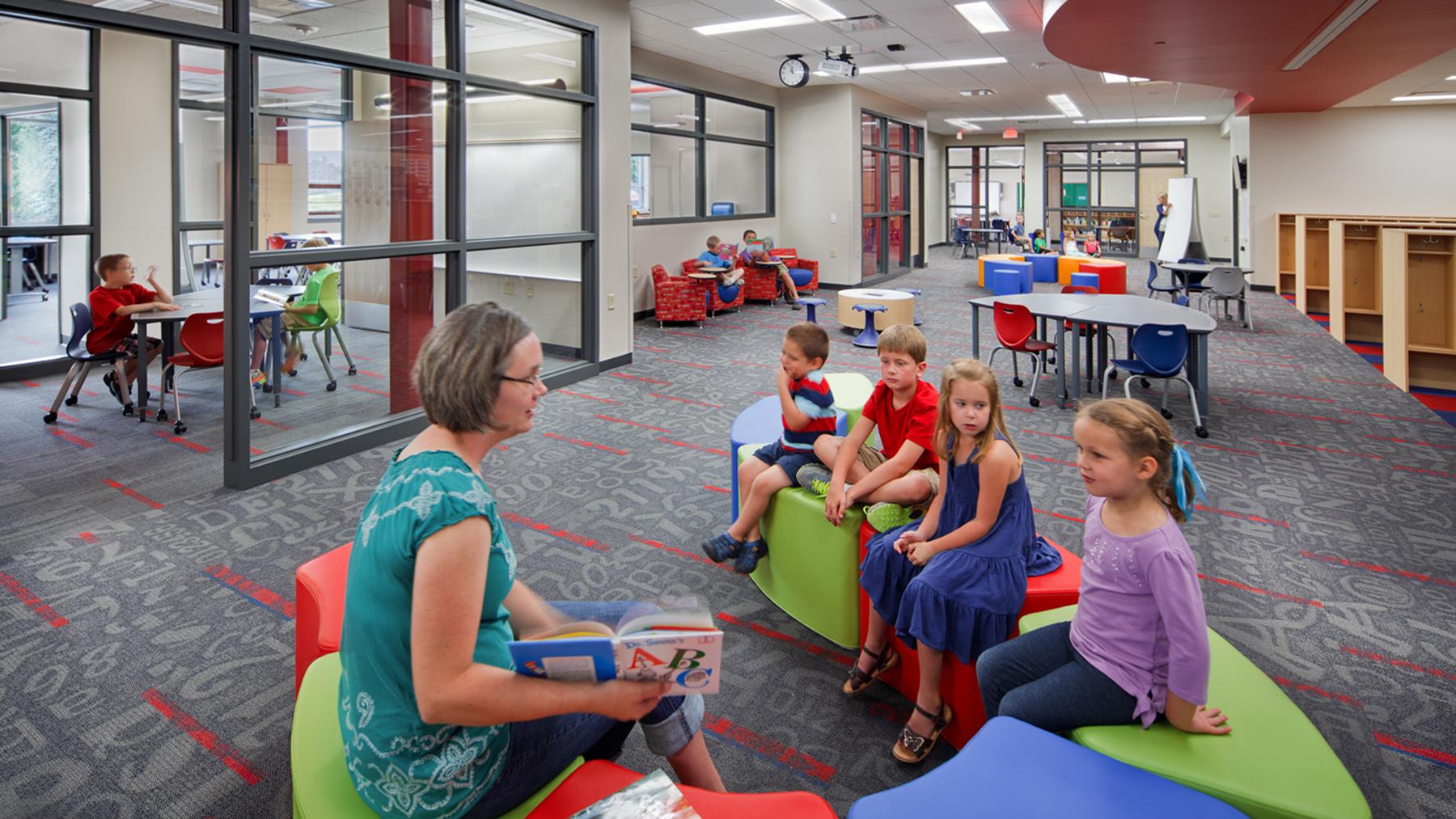 Lake-Mills-Elementary_LearningCommunity_Kids__1800x1013